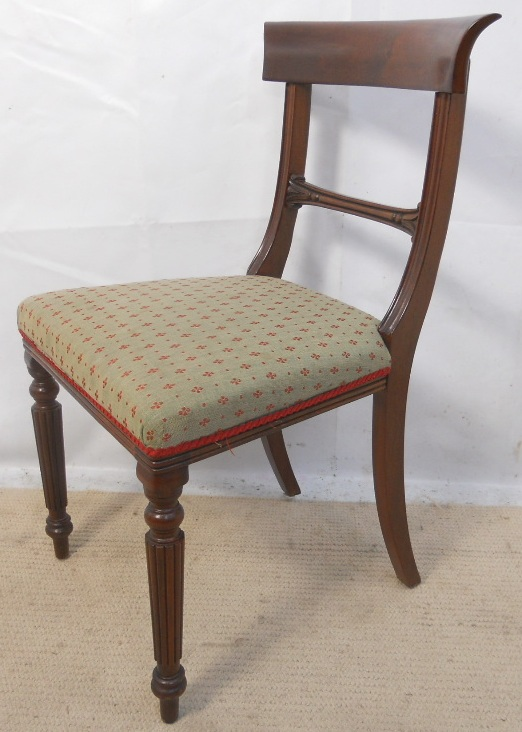 Sold Set Of Eight Mahogany Fluted Leg Dining Chairs